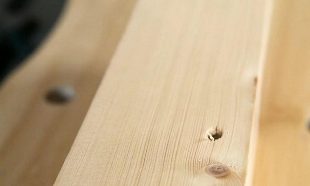 aplicar-masilla-para-madera