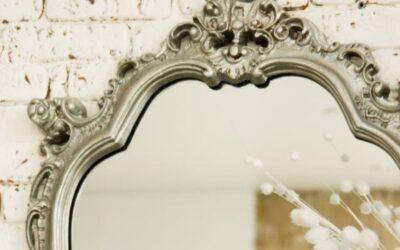 Formas de limpiar un espejo antiguo