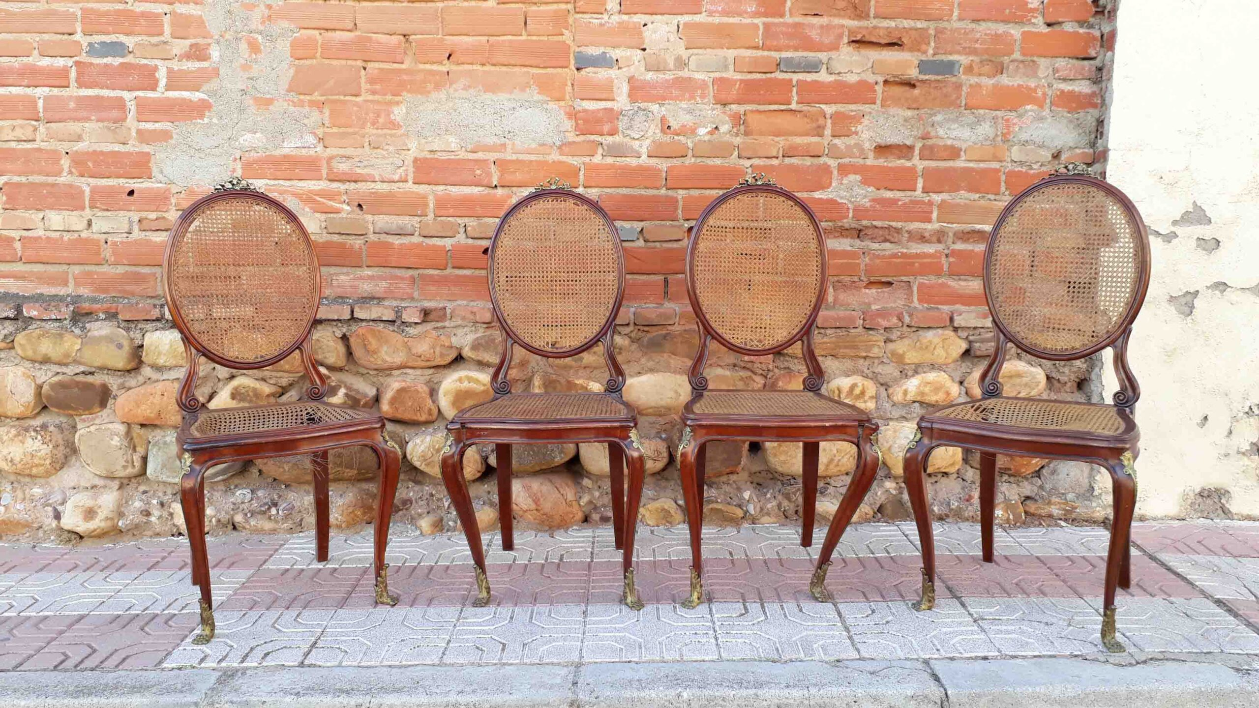Restaurar sillas antiguas